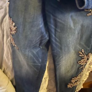 White house black market jeans the never been worn